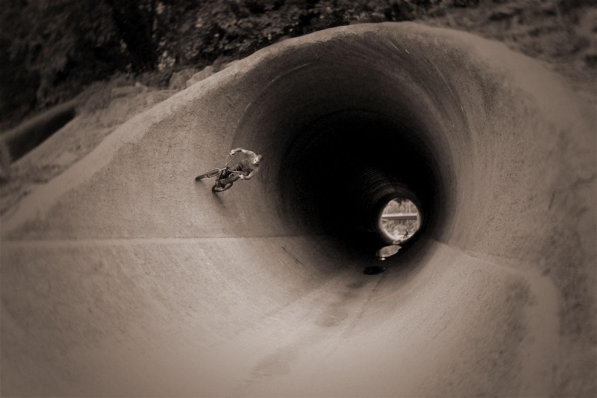 Jon Saunders bmx dc full pipe